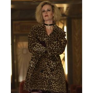 American Horror Story Sarah Paulson Coat